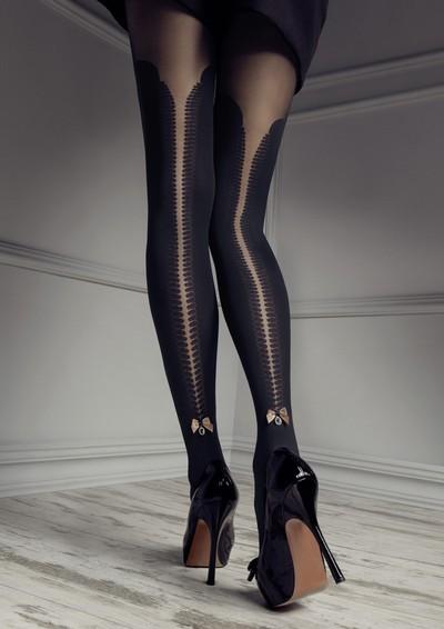 Strumpfhose im Overknee-Look und Taillenbund aus Spitze aus der Kollektion Patrizia Gucci for Marilyn